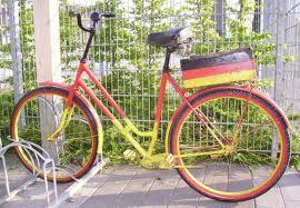 Fahrrad mit der deutschen Fahne gemalt